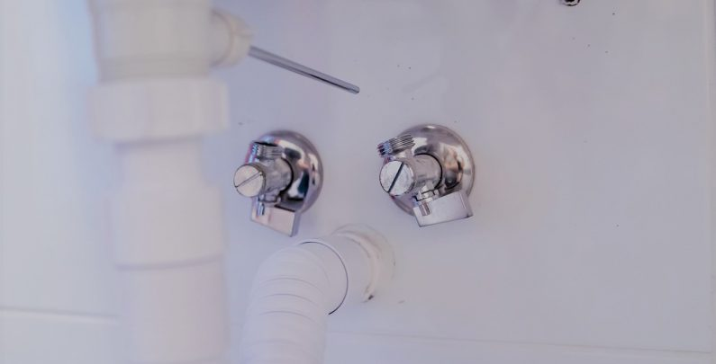 How To Unclog A Kitchen Sink Drain With Home Tools Solutions Plumbing Gasfitting